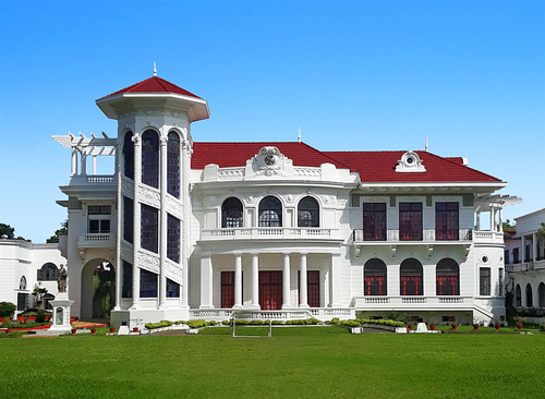long shot of of lizares mansion