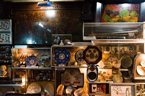display of plates and paintings in a museum in maasin leyte