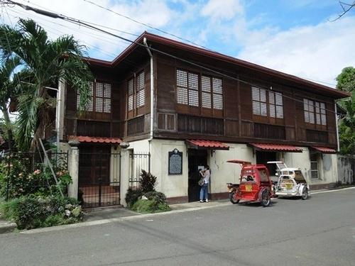 exterior shot of manuel roxas' ancestral home