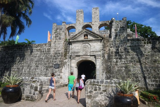 fort-san-pedro-gate